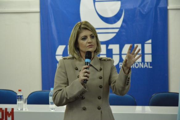 Dr. Flávia