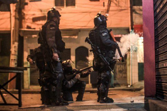 Repressão a manifestação no Complexo da Maré