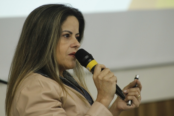 A Psicóloga Dulcilene Alves de Melo explicou quais motivos levam a vítima cometer suícidio Foto Hector Gomes.JPG